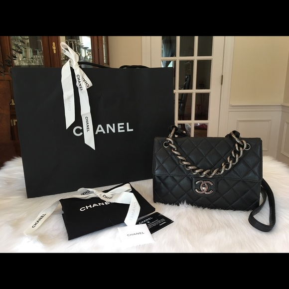 f16047992c11 CHANEL Handbags - CHANEL RETRO CLASS FLAP BAG